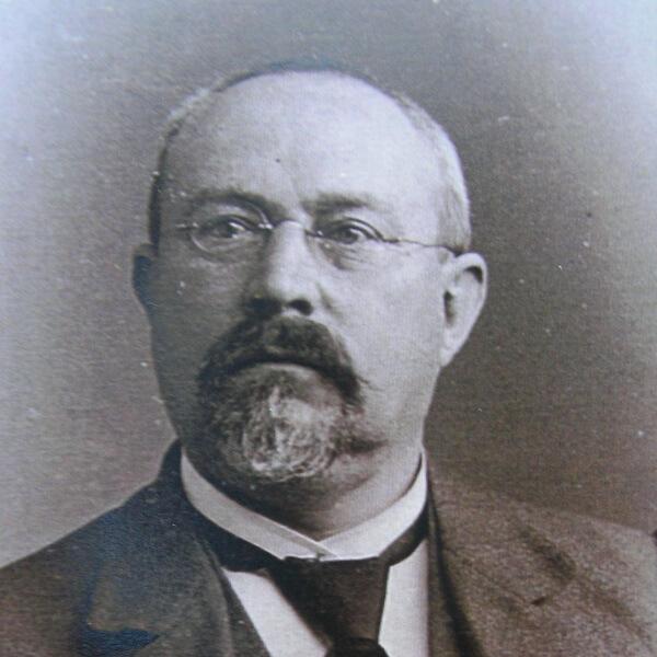Dr. Heinrich Lübbers